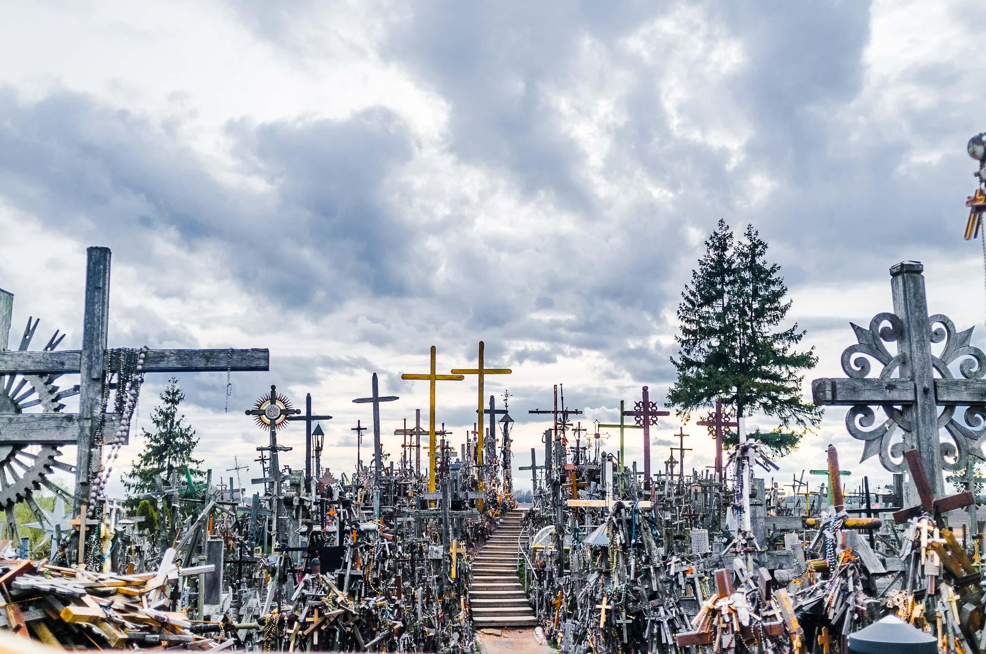 hill-of-crosses-004